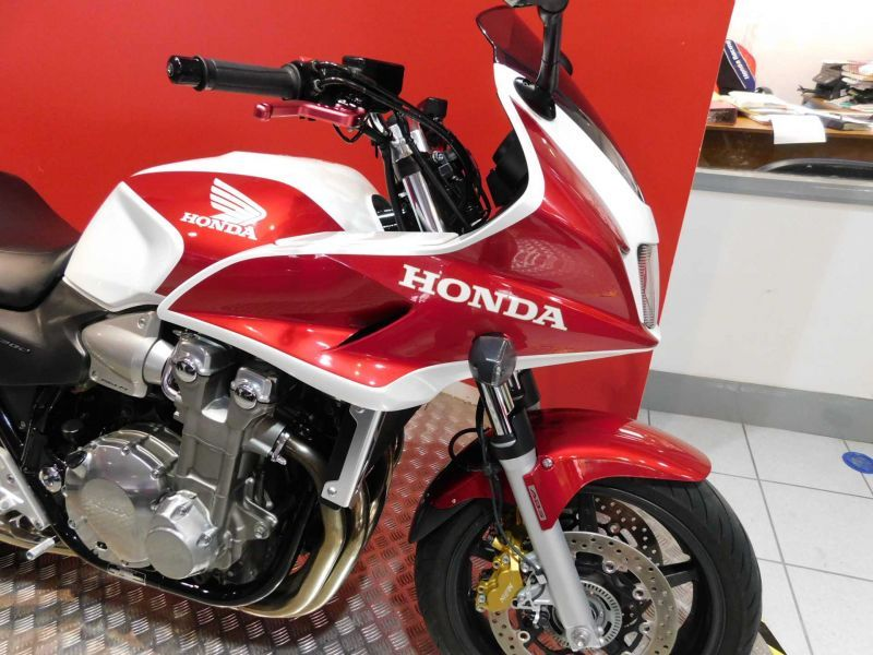 used honda cb 1300 sa 5 available for sale white 24660 miles honda used motorcycles. Black Bedroom Furniture Sets. Home Design Ideas
